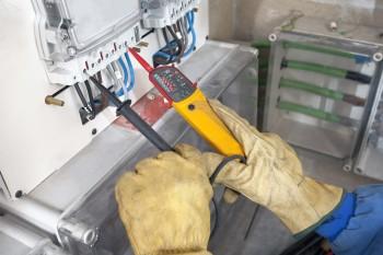 Testing an electrical circuit